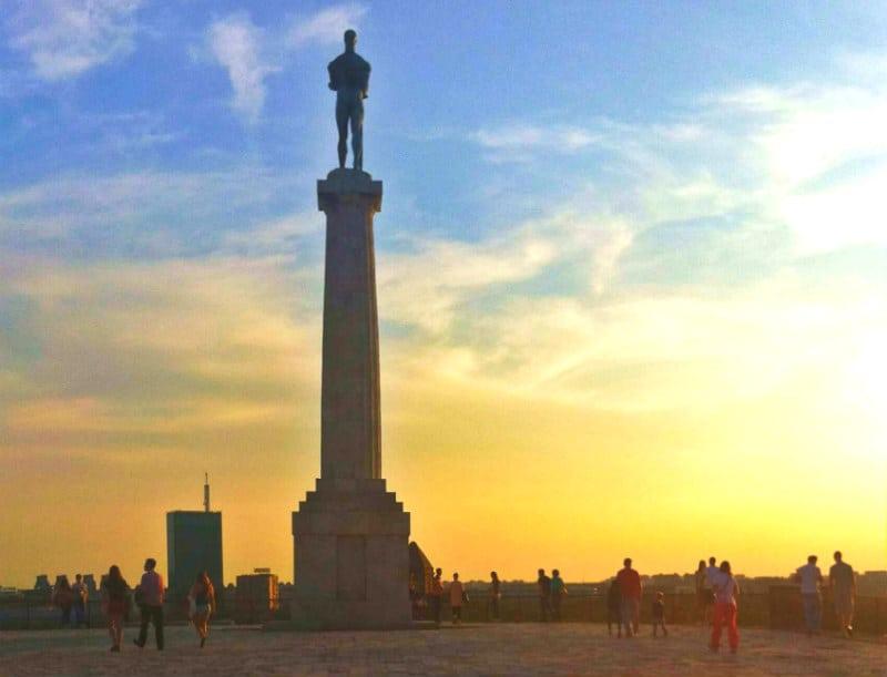statua del vincitore belgrado