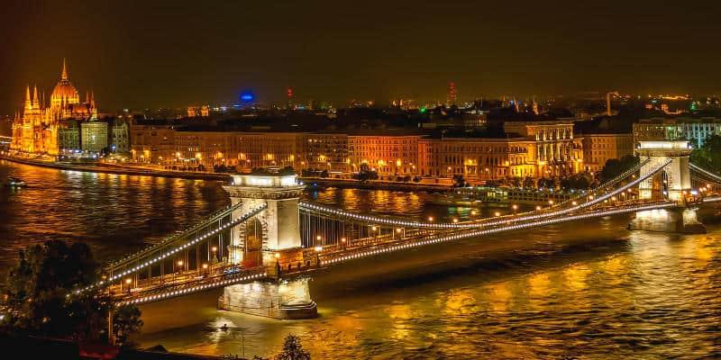 visitare Budapest Parlamento