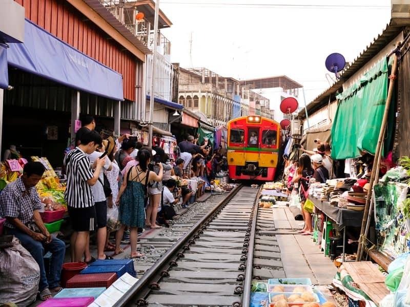 mercato treno ferrovia Bangkok